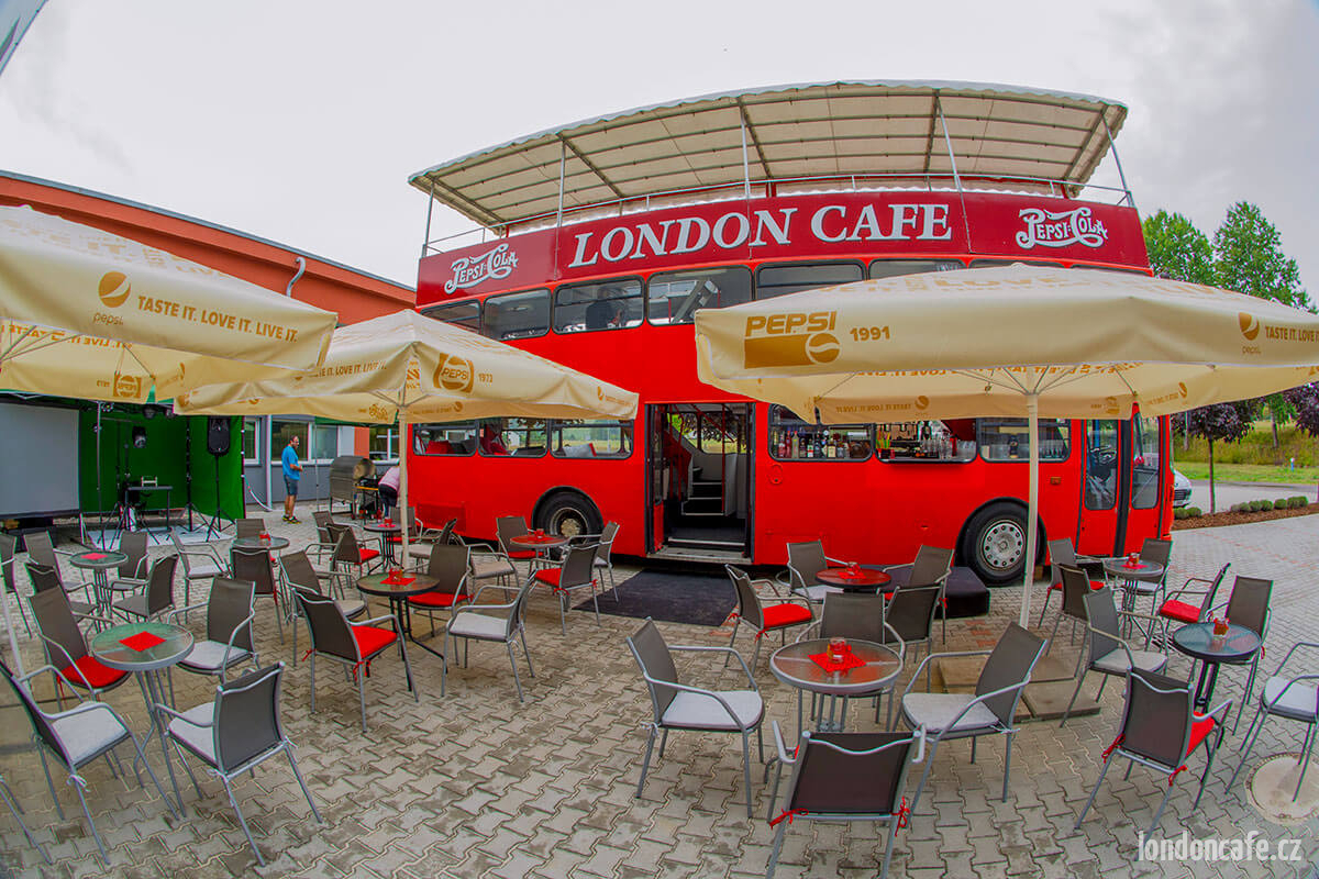 londoncafe-partybus-doubledecer-autobus-na-party