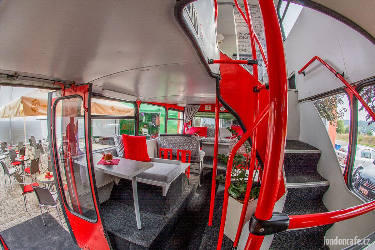 partyautobus-schody-patrovyr-party-autobus-na-oslavy